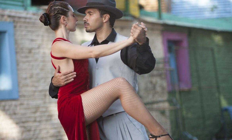 ¡Bailando Ritmos Latinos!